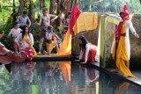 Tradisi bajong banyu