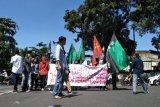 Puluhan mahasiswa unjuk rasa tuntut pemerintah hentikan liberalisasi pendidikan