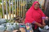 Penjual bunga tabur kebanjiran untung  jelang Ramadhan