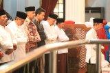 Ganjar tarawih keliling bersama Kapolda dan Pangdam
