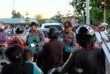 Polda Kepri bagikan ratusan takjil di Batam