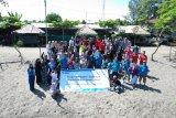 PLN UIP NTB bersihkan Pantai Mapak dari sampah