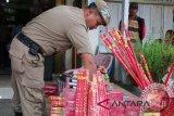 Kembang api tidak berizin di Mataram disita