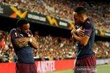 Arsenal melenggang ke final berkat hatrik Aubameyang
