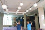 Plafon baru Masjid Terapung Makassar untuk Ramadhan
