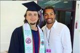 Putra Michael Jackson, Prince lulus kuliah
