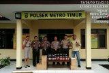 Polsek Metro Timur di Lampung amankan puluhan botol minuman keras