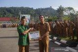 Bupati Hendrajoni raih penghargaan Bintang Sembilan Ansor Award II