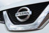 Nissan X-Trail model terbaru terlihat mengaspal di Jakarta