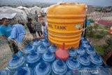 Suplai air minumuntuk pengungsi