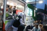 ACT DIY membagikan ratusan paket makanan untuk pemulung TPST Piyungan
