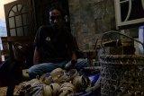 Jikalahari fasilitasi Suku Talang Mamak pasarkan kerajinan hasil hutan buka kayu