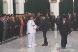 Terdakwa kasus suap Sunjaya diberhentikan 15 menit setelah dilantik sebagai Bupati