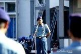 Danlantamal VI ingatkan prajuritnya tetap netral jelang penetapan oleh KPU
