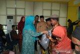 TP PKK dan Bank Riau Kepri Siak berbagi paket sembako