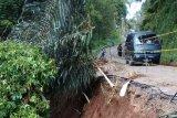 Pemkab pastikan jalan terban di Puncak Pato-Batusangkar bisa dilalui saat lebaran