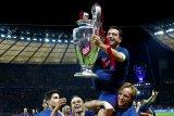 Legenda Barca ini siap latih Barcelona