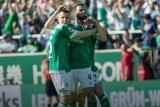 Bremen perpanjang kontrak Pizarro hingga 2020