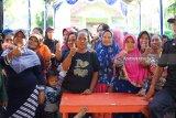 WIKA Bagikan 3000 Paket Pangan Murah Di Cirebon