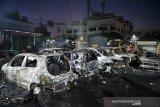 Belasan mobil hangus terbakar di Petamburan