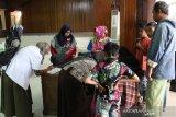 Baznas gelar khitan bagi anak-anak di Padang Panjang