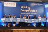Sheilla dan Terranisa juara Writing Competition Beswan Djarum