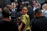 Cuitan 40 ribu lebih  Rihanna dapat
