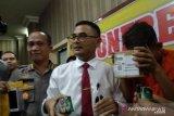 Poliss tangkap mahasiswa penjual ganja cair