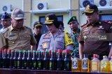 Polres OKU musnahkan ribuan botol minuman keras