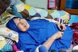 Aktris senior Aminah Cendrakasih tetap berpuasa meski sakit