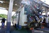 Angkut sepeda motor di bus