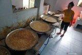 Pelaku usaha  Palu kesulitan bahan baku bawang goreng