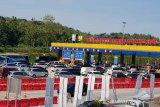 Volume kendaraan di gerbang tol Kalikangkung masih terkendali