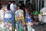 Toko parsel di Padang laris manis, kebanjiran pesanan jelang Lebaran