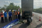Tabrak belakang truk, seorang pemudik meninggal dunia
