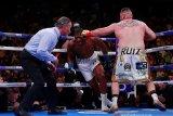 Di luar dugaan, Ruiz rebut gelar juara dunia
