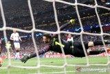 Hugo Lloris tegaskan bahwa filosofi Tottenham tidak dapat dibandingkan dengan Liverpool
