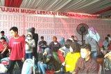 Ribuan warga berkumpul di kantor PDIP Jakarta