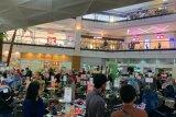 Jelang Lebaran pusat perbelanjaan MaRI Makassar disesaki pengunjung
