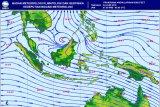 Waspada hujan lebat dan elombang tinggi di sejumlah perairan Indonesia