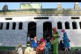 Puluhan jamaah Al Muhdhor Tulungagung gelar shalat id lebih awal
