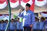 Bupati Lombok Utara semangati peserta Harlah Pancasila dengan memandu mars