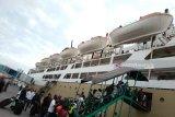Penumpang turun di Pelabuhan Makassar  39.510 orang