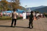 Seratusan personel aparat gabungan Polri/TNI amankan shalat Id di Tolikara