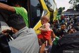 Hingga hari H lebaran, sekitar satu juta warga ke luar Jakarta