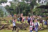 Pengunjung Gunung Padang membludak