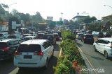 Lalu lintas ke Puncak dan Sukabumi alami kemacetan