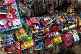 Penjual mainan laris selama Lebaran