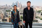 Chris Hemsworth dan Tessa Thompson menjadi wajah baru