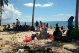 Pantai Tanah Kuning favorit warga isi libur Lebaran